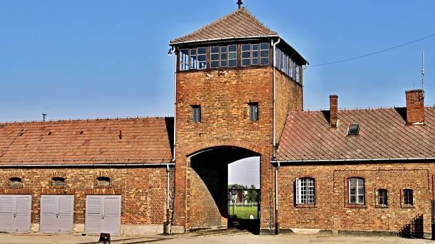 Mělničtí žáci se seznamovali s holokaustem přímo v koncentračních táborech.