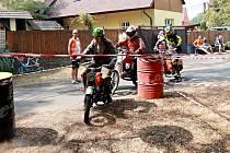 Tradiční závod motocyklů československé výroby s názvem Mlékojedská padesátka již klepe na dveře. První srpnovou sobotu se pojede sedmý ročník, při kterém poměří své síly stroje vyrobené do roku 1985 o obsahu 50 ccm.
