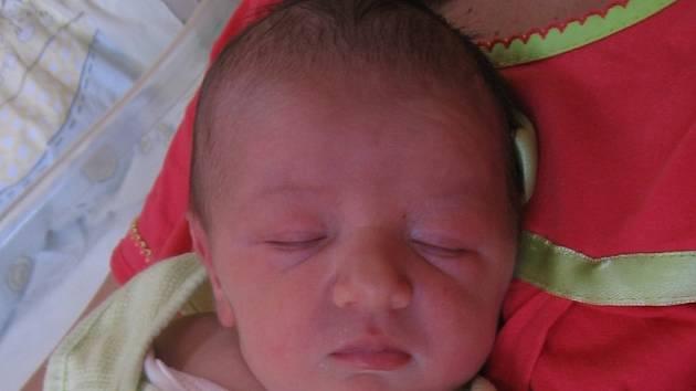 Aneta Skalová se rodičům Evě a Liborovi z Nupak narodila v mělnické porodnici 23. července 2014, vážila 3,22 kg a měřila 51 cm. Na sestřičku se těší 2,5letý Davídek.