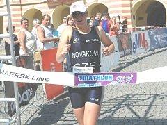 Eva Nováková  potvrdila v Mělníku svou příslušnost k české reprezentaci  a s náskokem zvítězila v ženské kategorii.
