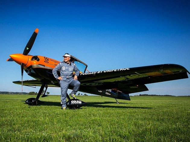 Akrobatický pilot Marek Hyka.
