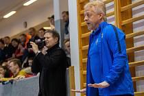 NÁVRAT. Manažer Olympiku Pavel Šuba si po čase vyzkoušel roli trenéra prvního mužstva, když zaskakoval za Jakuba Němce. Na Spartě ovšem se svými hráči neuspěl.