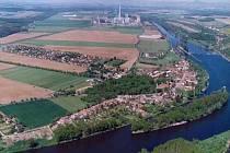 Letecký pohled na Dolní Beřkovice.