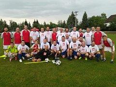 V rámci oslav čtyřiceti let kopané ve Vehlovicích proti sobě nastoupili současní a bývalí fotbalisté TJ LIAZ.