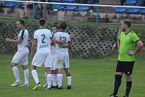 I. A třída: Dynamo Nelahozeves (v zeleném) - Jíloviště (1:3)