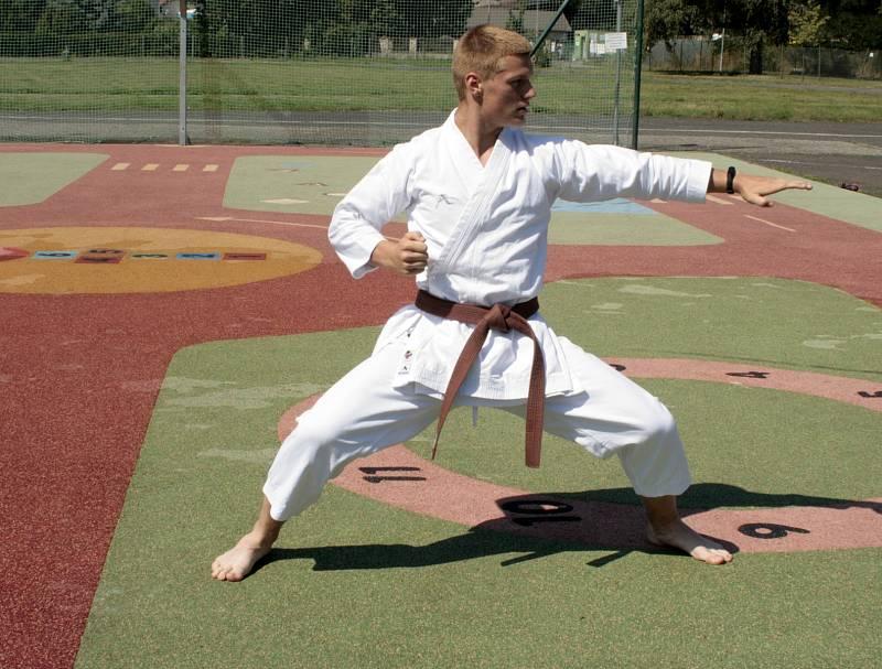 Karate se na hry dostalo díky Japonsku, na snímku Lukáš Sirotek
