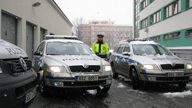 Nové policejní vozy jezdí už i na Mělníku