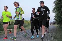 Noční běh pro Světlušku se odehrál mezi Lobčí a Vrátnem.
