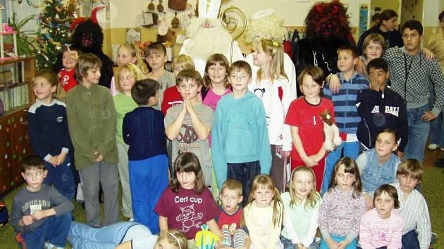 Mikulášská nadílka v Základní škole ve Velkého Borku