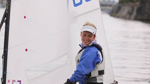 Lucie Keblová z pražského ČYKu během 71. ročníku jachtařského závodu Primátorský štít.