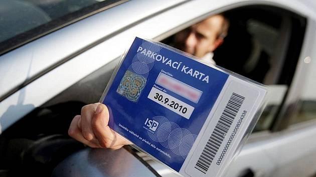 V polovině prosince loňského roku přešel Mělník definitivně na elektronický parkovací systém, který tak nahradil dosavadní papírové karty.