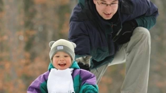 Jsou sporty i další činnosti, kdy je tatínek nejlepším pomocníkem.