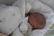 TOBIÁŠ KOČKA se rodičům Adéle  a Filipu Kočkovi z Kralup nad Vltavou, narodil v mělnické nemocnici 18. 4. 2018, vážil 3,100 kg, měřil 49 cm. Doma se těší na bratříčka Nela 3 roky.