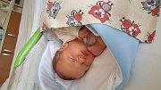 Jakub Pištěk se rodičům Veronice a Markovi z Řepína narodil 26. října 2017 v mělnické porodnici, měřil 51 centimetrů a vážil 3,68 kilogramu. Doma se na něj těší Nikola a Natálie.