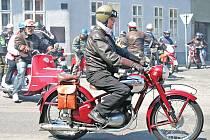 Pavel Francírek jezdí na motocyklech už přes padesát let.