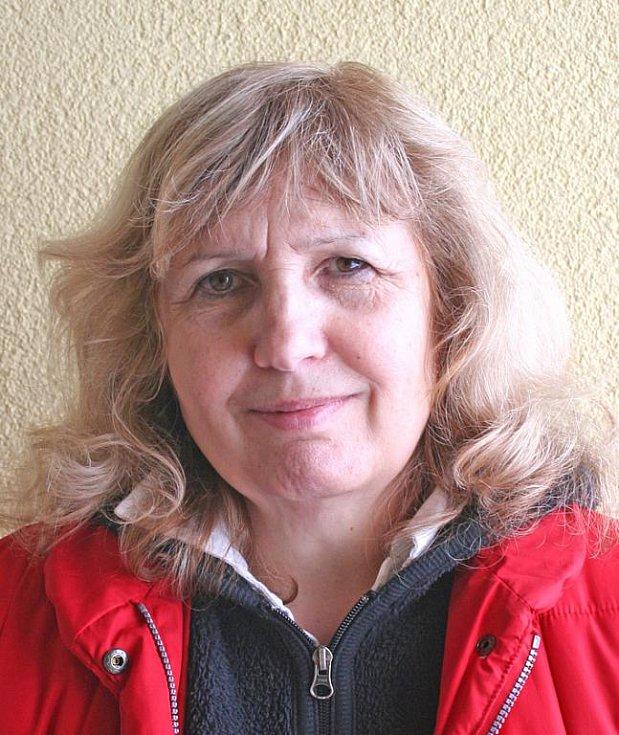 Ivana Derflová, Chvatěruby: Jsem proti, protože chci, aby obec byla klidná jako doposud, a nechci, aby mi nad hlavou létala letadla. Vážím si toho, že je tu tak klidné prostředí.