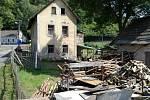 Dům, kde do útoku bydlel útočník, který se k činu doznal.