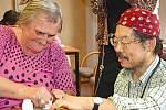 V Domě Kněžny Emmy vyráběli kaleidoskopy s misionářem až z Japonska.
