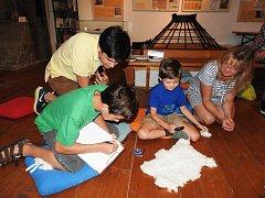 Návštěvníci si užili přírodovědecké poznávání s Liborem Prausem a pedagožkou Jitkou z místního Regionálního muzea.