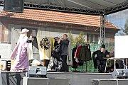 Náves v Obříství patřila v sobotu 29. září od 10 hodin tradičnímu Posvícení a zároveň i oslavě 100. výročí Československa.