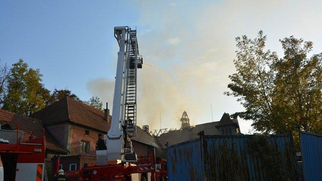 Požár v ulici Ve Žlábkách v Mělníku.