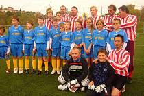 Fotbalisté Hořína si zahráli se seriálovými Houslicemi