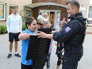 Mělnické děti si vyzkoušely práci záchranářů.