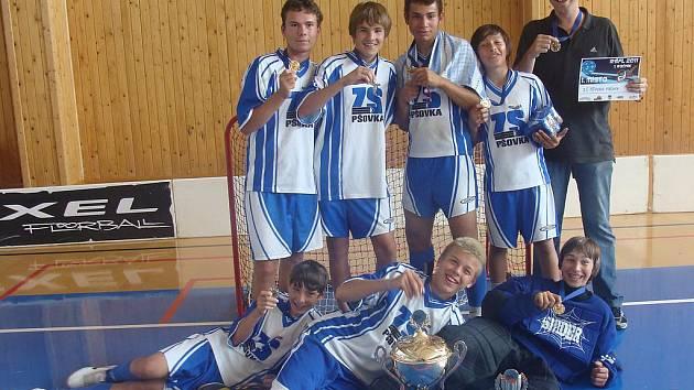 Tým ZŠ Pšovka vyhrál školní florbalovou ligu