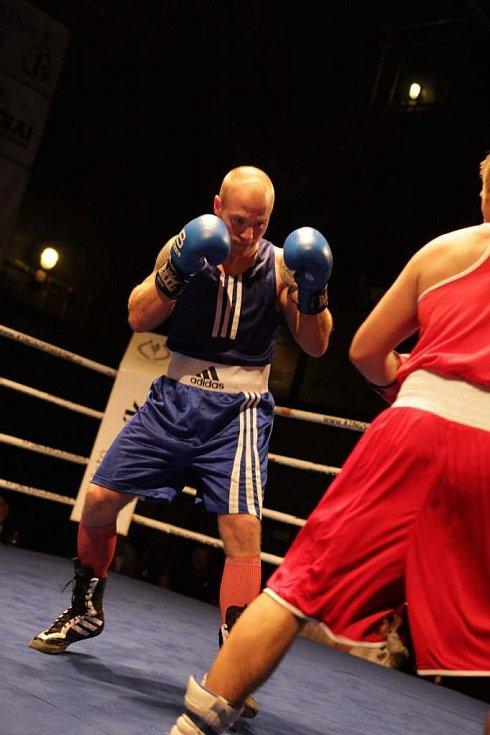 Galavečer bojových sportů v mělnickém kulturním domě.