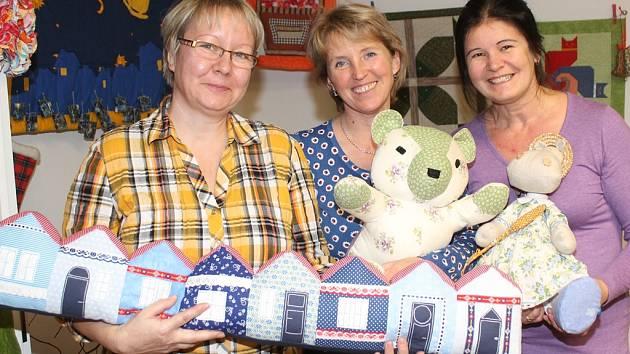 Mělnické patchworkářky (zleva) Dagmar Kohoutová, Magdalena Staňková a Božena Huňáčková.