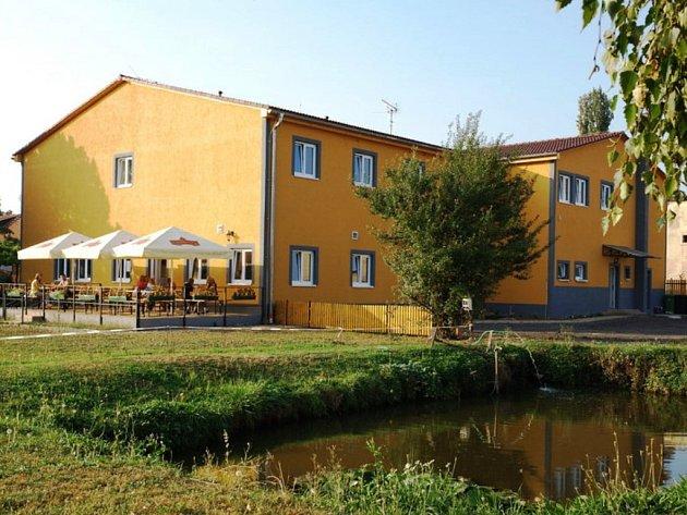 Restaurace a penzion Rezidence Artemis, Netřeba.
