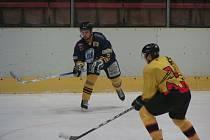 Černá série hokejistů Mělníka trvá. Po domácím debaklu od Milevska 0:8 dopadl HC Junior podobně i v Chrudimi (7:0).