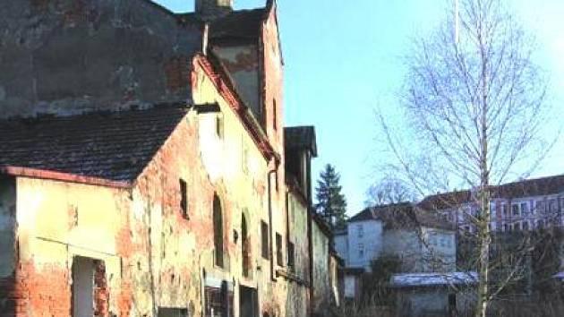 Budova starého pivovaru by se měla opravit a znovu obnovit činnost výroby piva.  V současnosti jsou však nejasnosti o tom, kdo objekt odkoupí.