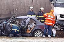 Nehoda na nadjezdu díálnice D8 u Nové Vsi.