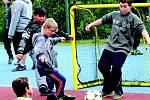 Fotbalový turnaj klientů středočeských nízkoprahových center.