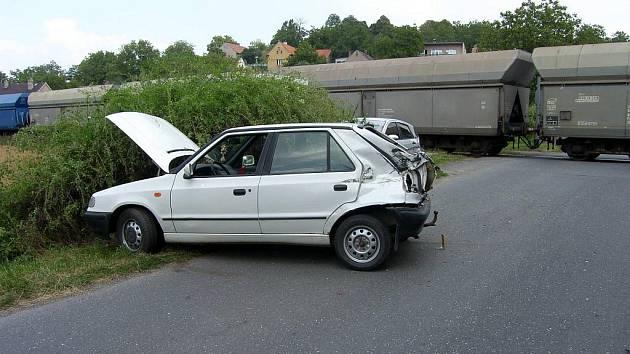Nehoda na kralupském železničním přejezdu.