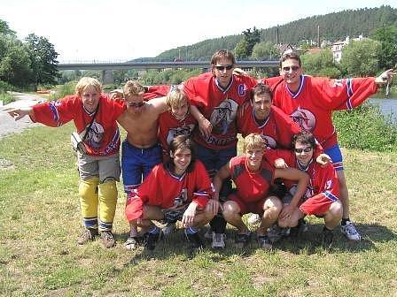 Tým minických Rytířů zažil jednu z nejhorších sezon své historie. V Petroniově poháru zůstal po deseti letech bez medaile, na Memoriálu Tomáše Hoskovského, kde zvítězil v letech 1998, 2000, 2001 a 2005, nepostoupil poprvé od roku 1998 do semifinále.
