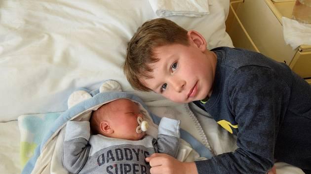 Jakub Frydrych, Mělník. Narodil se 10. března 2019, po porodu vážil 3320g a měřil 49 cm, rodiče jsou Michaela a Pavel Frydrychovi a dva sourozenci Michal a Pavel.