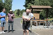 Cyklostezka v Mělníku byla v úterý 2. června dopoledne otevřena slavnostním přestřižením pásky za přítomnosti místostarosty města Mělníka Milana Schweigstilla a hostů.