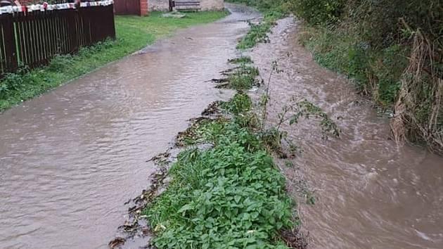 Lokálně jsou ve Středočeském kraji rozvodněné zejména potoky.