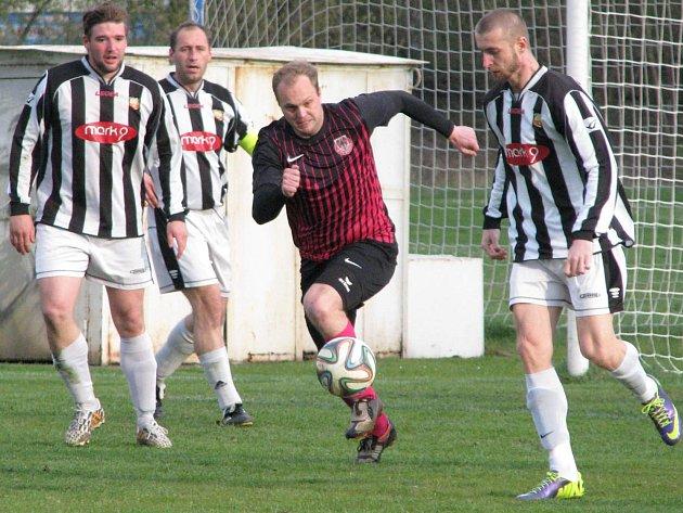 FC Mělník - Byšice (1:1); 18. kolo I. B třídy; 18. dubna 2015