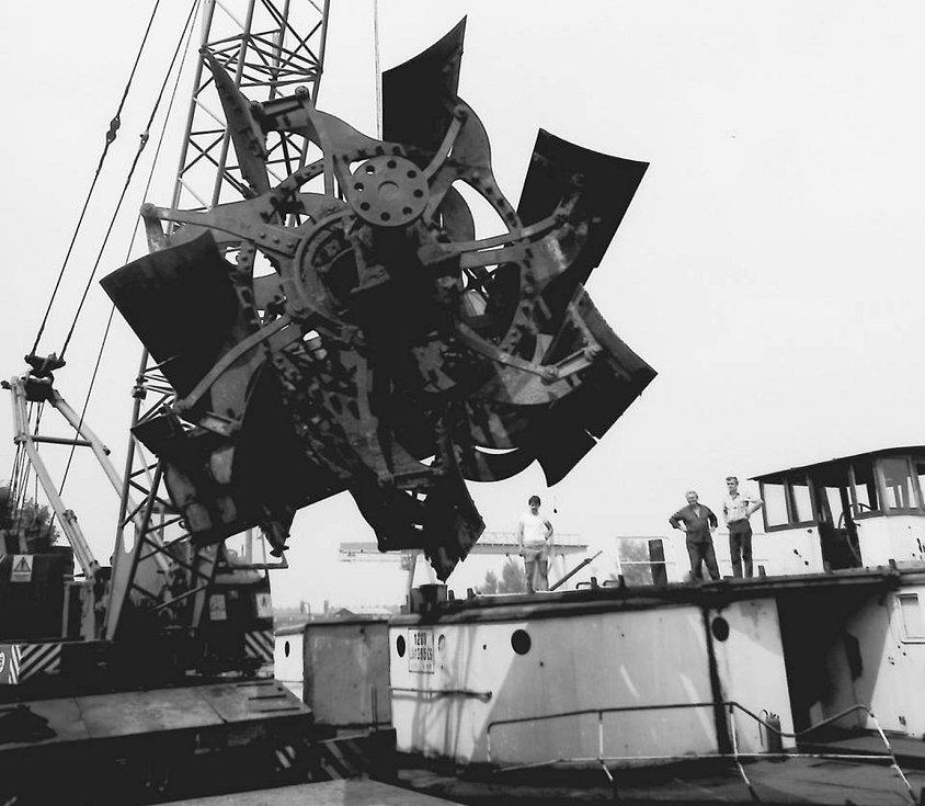 Práce v přístavu - Mělník 1986