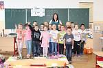 Žáci 1. třídy ZŠ Liběchov s paní učitelkou Helenou Vajdlovou