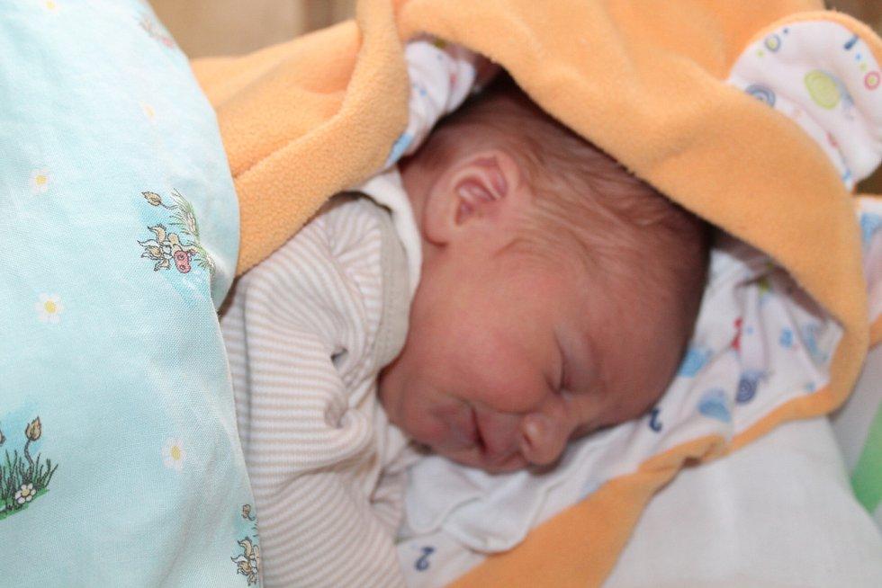Hubert Bardonek, Vojkovice. Narodil se 13. 5. 2019, po porodu vážil 3100 g a měřil 49 cm. Rodiče jsou Zdeněk Bardonek a Tamara Juránková.