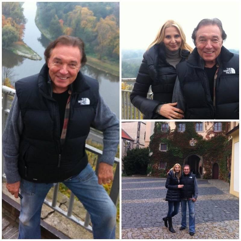 Karel Gott navštívil Mělník společně se svojí ženou Ivanou v říjnu roku 2012. V rámci romantické procházky si prohlédli také soutok Labe a Vltavy na mělnickém zámku.