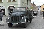 Cyklus událostí věnovaných připomínce ukončení druhé světové války v Evropě završila v Mělníku poslední nejvýznamnější akce v nedělí 12. května, kdy patřilo náměstí Míru od dopoledních hodin výstavě vojenské techniky.