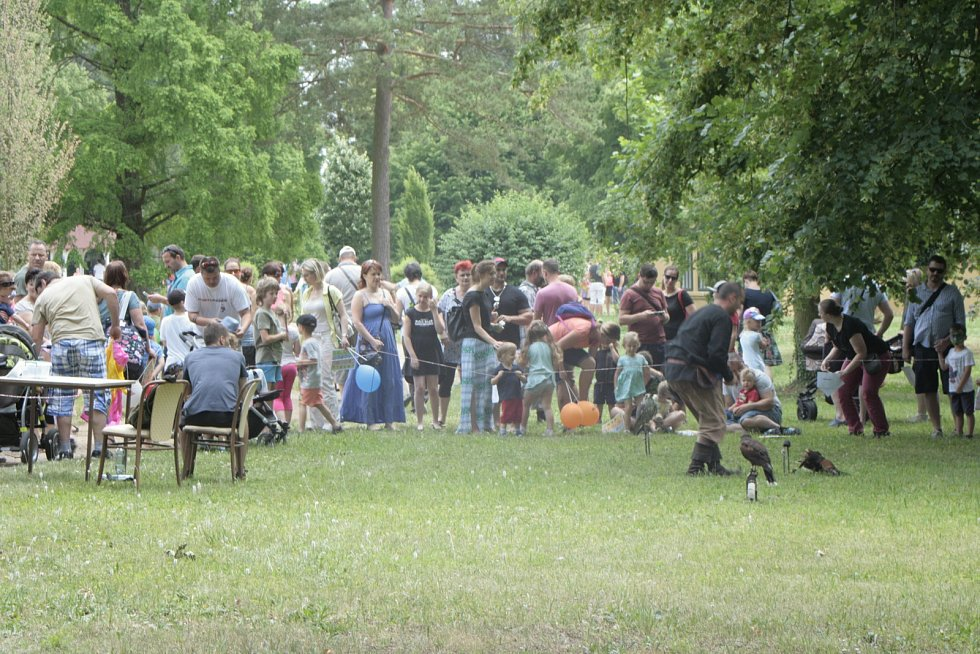 Nedělní návštěvníci zámecké zahrady Liblice absolvovali Cestu kolem světa.