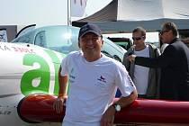 Akrobatický pilot Marek Hyka létá s letounem Extra 330 LC