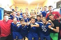 Starší dorostenci FK Neratovice/Byškovice po penaltové výhře nad Ústím.