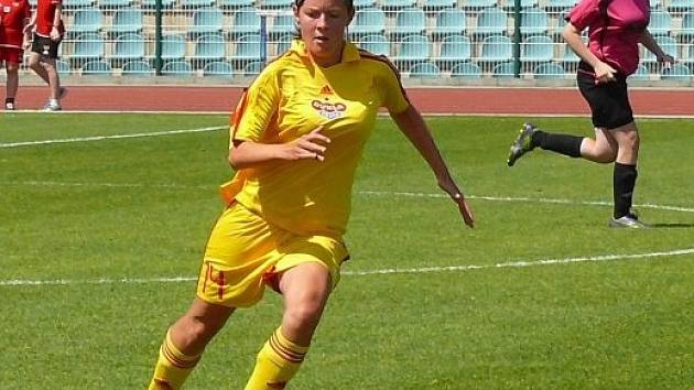 Tereza Holakovská v dresu pražské Dukly.